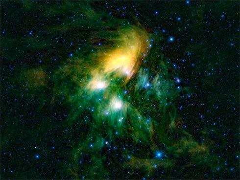 Aglomerado das Plêiades visto pelo telescópio Wise