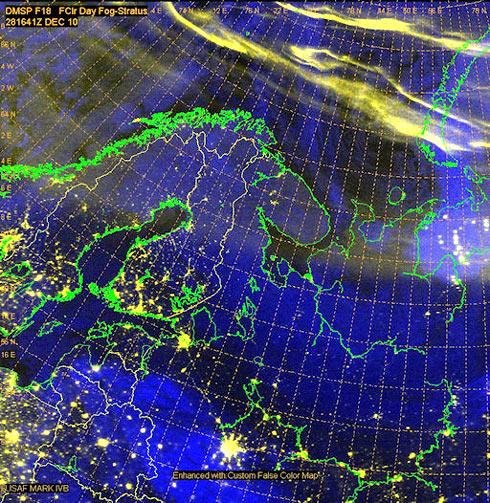Aurora Boreal sobre o círculo polar ártico