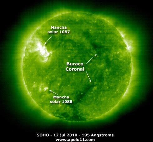 Buraco coronal em 12 de julho de 2010