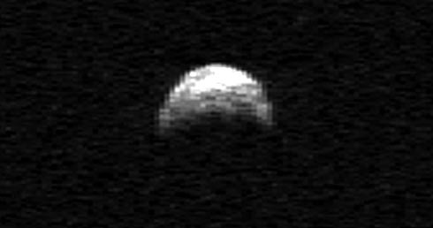 http://www.apolo11.com/imagens/2011/asteroide_2005yu55.jpg