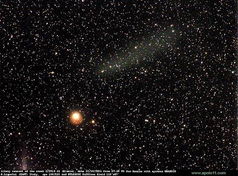 Nuvem de fragmentos do cometa Elenin C/2010 X1