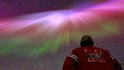http://www.apolo11.com/imagens/2011/thumb_tempestade_geomagnetica.jpg