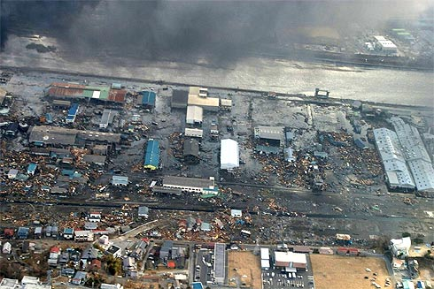 Vista aérea da cidade de Dendai, após tsunami de 11 de março de 2011