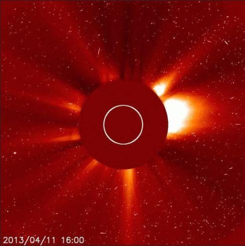 Explosao solar 11 de abril de 2013