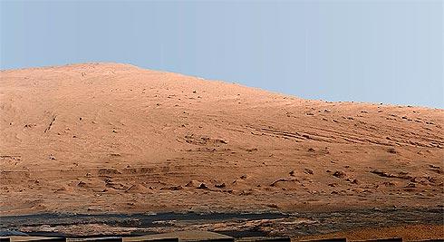 Jipe-Robô Curiosity fotografou uma linda paisagem marciana Monte_sharp_490