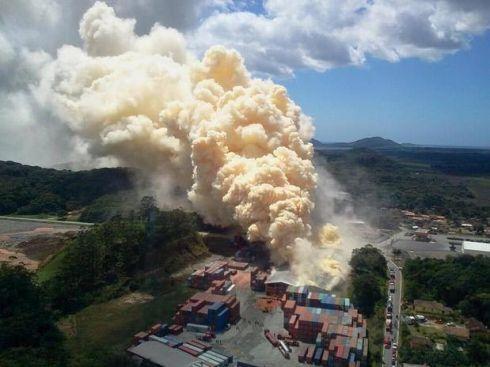 Imagem da explosão em fabrica em Santa Catarina