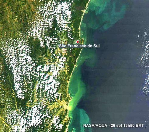 Imagem de satélite pode ser de fitoplanctons na costa brasileira