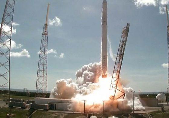 Lancamento do Falcon 9