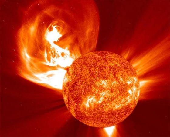 Flare solar Halloween Storm