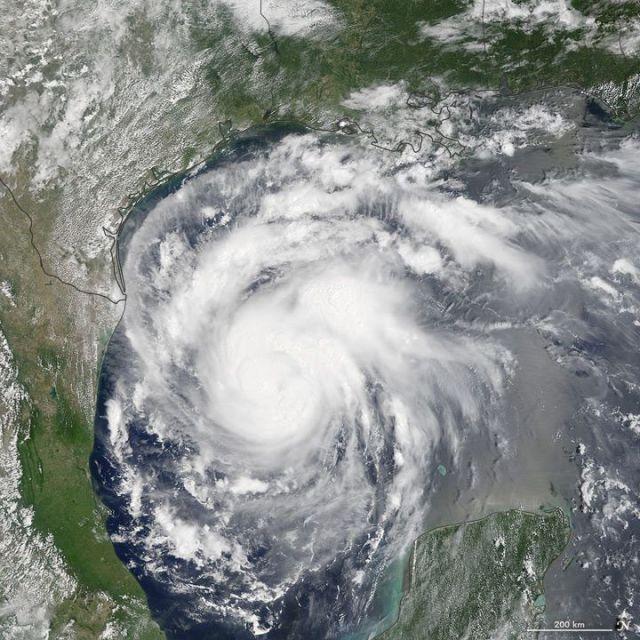 Imagem de satelite do furacao Harvey, registrada pelo satélite de sensoriamento remoto TERRA, da Nasa.