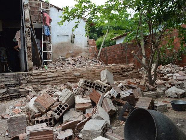 Residencia que desabou em Santana do Acarau, CE
