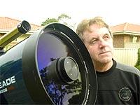 http://www.apolo11.com/imagens/etc/astronomo_dave_reneke.jpg