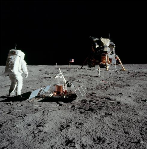 sismômetro na Lua